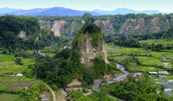 Keelokan Wisata Bukit Takuruang Bukit Tinggi