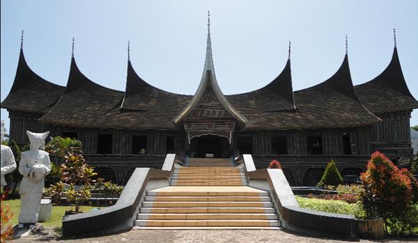 Keistimewaan Museum Adityawarman