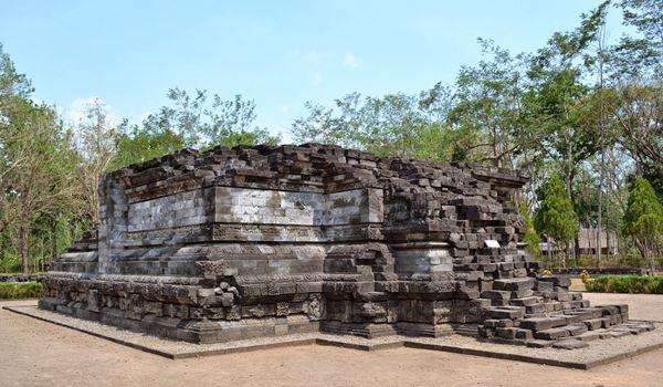 Pesona Objek Budaya Candi Tegowangi