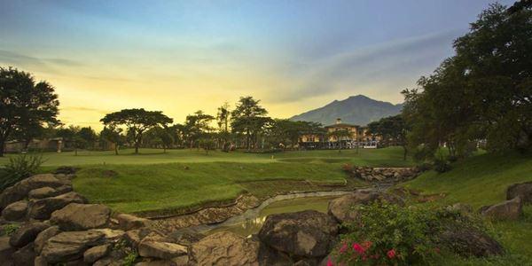 Menikmati Taman Dayu Golf Club and Resort di Pasuruan