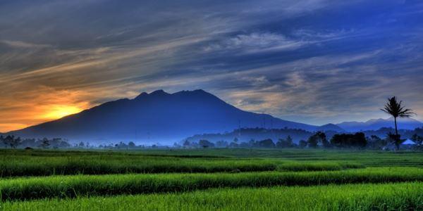 Gunung Lawu dan Berbagai Keindahannya
