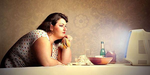 4 Kebiasaan Buruk yang Menyebabkan Wanita Gemuk
