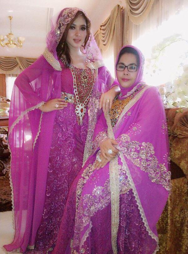 Bulan Ramadhan, Syahrini Kembali Pamerkan Busana Model Baru Miliknya 2