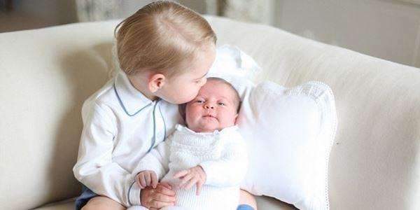 Tampil Imut, Foto Pangeran George dan Putri Charlotte Tuai Pujian
