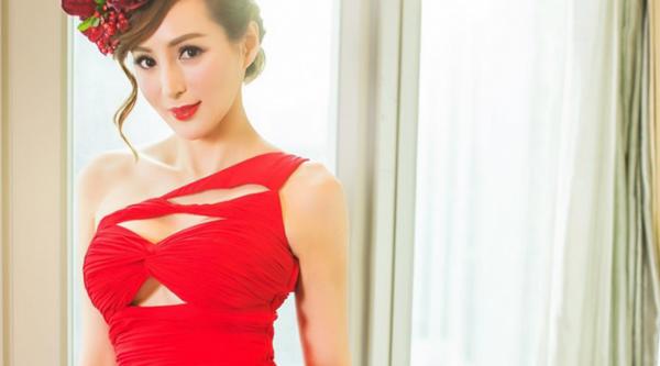 Candy Lo, Model Cantik dengan Tiga Anak yang Sudah Berusia 50 Tahun