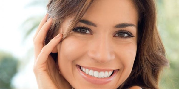 Ingin Memutihkan Gigi yang Menguning Gunakan 5 Bahan Murah Ini