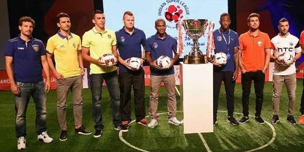 Kontrak Roberto Carlos dan Anelka, ISL Mulai Bergulir Minggu Depan!