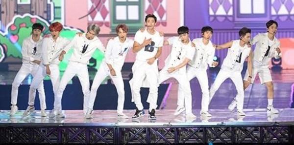 EXO Catat Sejarah Jadi yang Pertama Konser di Dome, Netter Justru Cuek