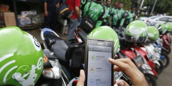 Upah Turun Jadi 3000Km, Para Driver Go-Jek Mogok Masal