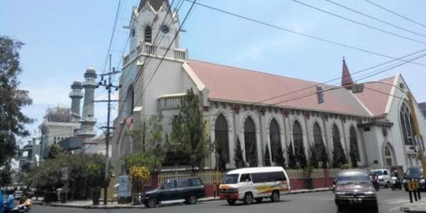 Acara Maulid Nabi dengan Natal Bersamaan, Masjid dan Gereja Bertetangga di Malang Saling Menjaga