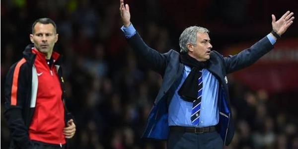 Ditendang Chelsea, Jose Mourinho Bakal Berlabuh ke Manchester United?