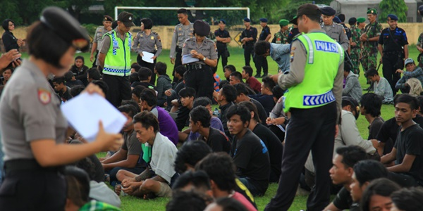 Merasa Kecolongan, TNI Siapkan Skema Khusus untuk Aremania dan Bonek
