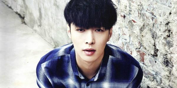 Parah! Lay EXO Unggah Foto Bukti Betapa Buruknya Panitia MAMA 2015