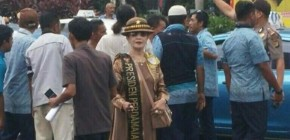 Hadir di Demo Taksi, Sosok Presiden Perdamaian Mendadak Terkenal