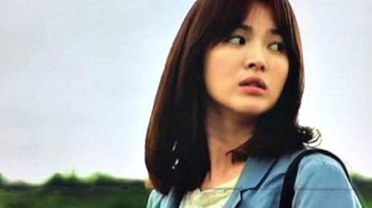 Song Hye Kyo, Aktris Cantik Penguasa Empat Bahasa