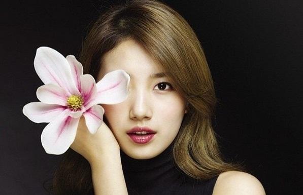 Kenakan Seragam 'Uncontrollably Fond', Suzy Miss A Makin Cantik dan Imut