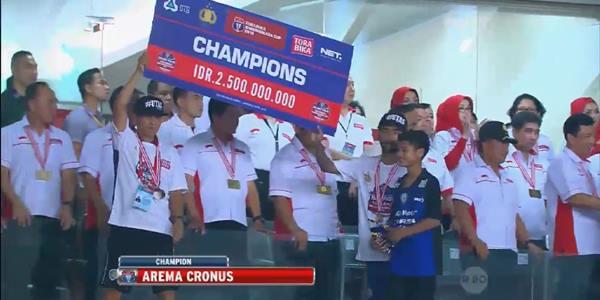 Arema Cronus Menang Piala Bayangkara Cup 2016, 2-0 Persib Bandung