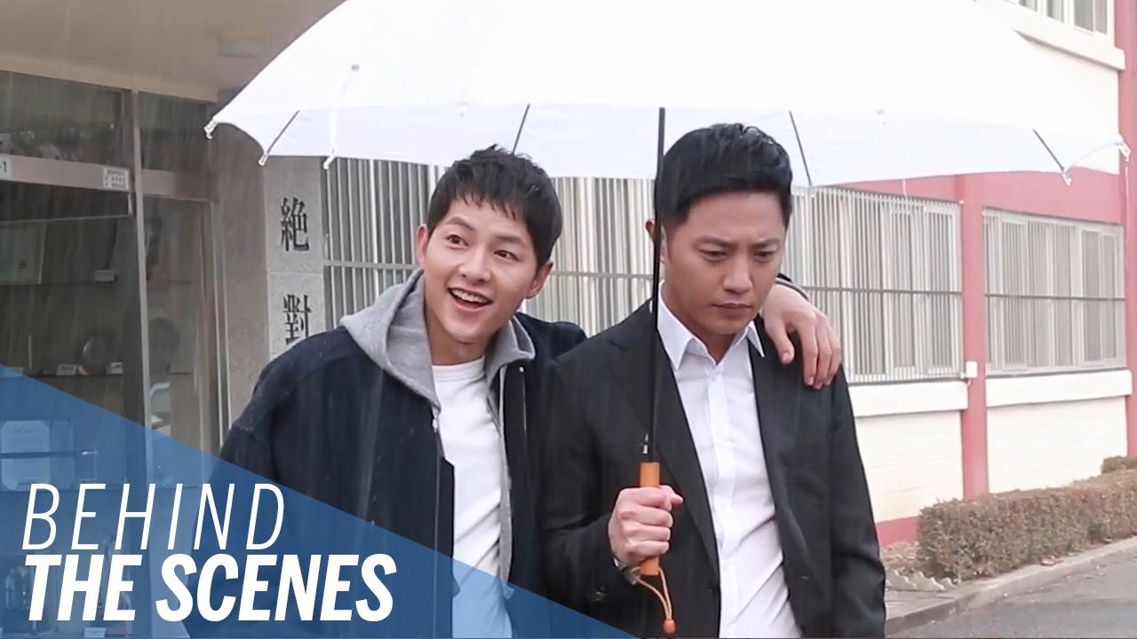 Song Joong Ki dan Jin Goo Adu Suit Demi AOA dan SISTAR