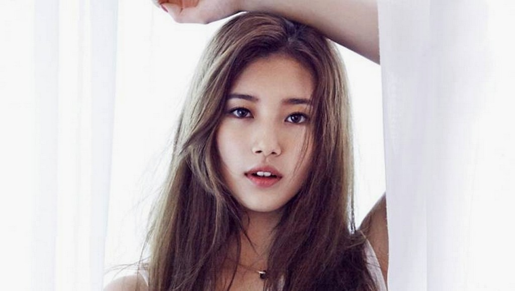 Suzy Miss A Donasikan Rp 114 juta Untuk Siswa SMP Kurang Mampu