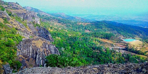 Serunya Mengunjungi Wisata Gunung Api Purba Nglanggeran di Jogja KabarDunia.com_Serunya-Mengunjungi-Wisata-Gunung-Api-Purba-Nglanggeran-di-Jogja_Gunung Api Purba Nglanggeran