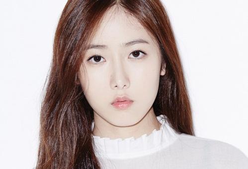 """Shin B Bakal Persembahkan """"Confession"""" Untuk Ahn Jae Hyun cs KabarDunia.com_ShinB-Gfriend_Shin B"""