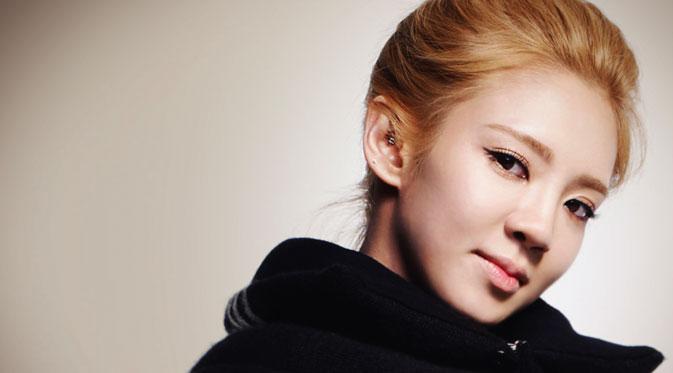 Hyoyeon Bakal Kolaborasi Barang Artis JYP di SM Station, Siapa? KabarDunia.com_hyoyeon-snsd-_Hyoyeon