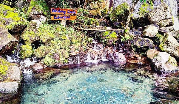 Sendang Geulis Kahuripan, Si Cantik yang Tersembunyi di Tanah Sunda KabarDunia.com_Sendang-Geulis-Kahuripan-Si-Cantik-yang-Tersembunyi-di-Tanah-Sunda_Sendang Geulis Kahuripan
