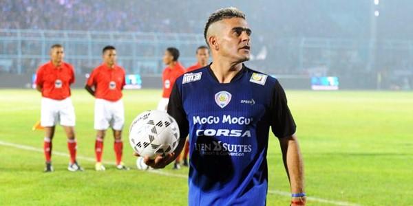 Tampil Fantastis, El Loco Gonzales Bawa Arema ke Final Piala Presiden KabarDunia.com_Tampil-Fantastis-El-Loco-Gonzales-Bawa-Arema-ke-Final-Piala-Presiden_