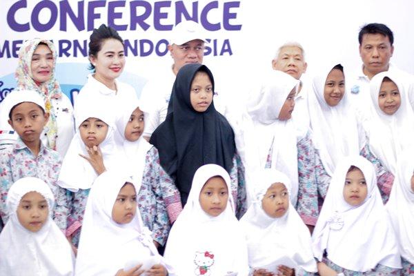 rekor muri mewarnai 1270 payung KabarDunia.com_rekor-muri-mewarnai-1270-payung_Mewarnai Indonesia
