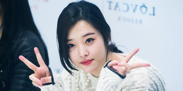 Sulli Ex F(x) Resmi Perpanjang Kontrak dengan SM Entertainment