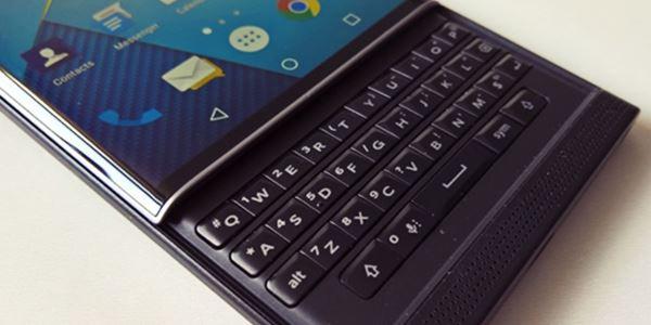 Dapat Paten, Blackberry Pamer Konsep Smartphone Kamera Canggih KabarDunia.com_Dapat-Paten-Blackberry-Pamer-Konsep-Smartphone-Kamera-Canggih_Blackberry