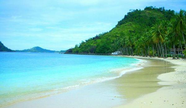 Indahnya Pasir Pantai Pulai Sikuai