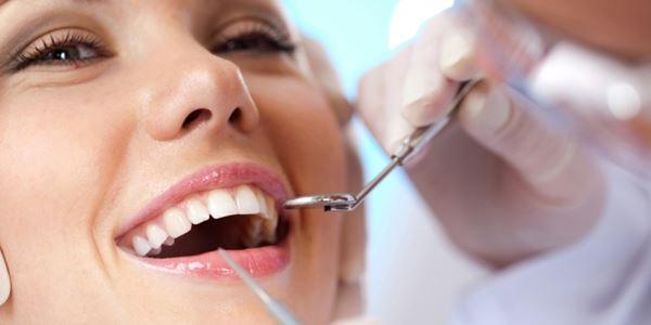 Senyum Lebih Cantik tanpa Plak Gigi