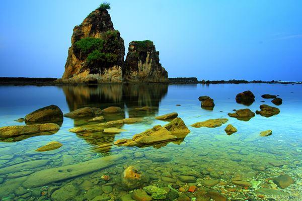 Kesan Misterius Pantai Sarwana Banten