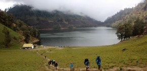 Mengagumi Keeksotisan Gunung Mahameru