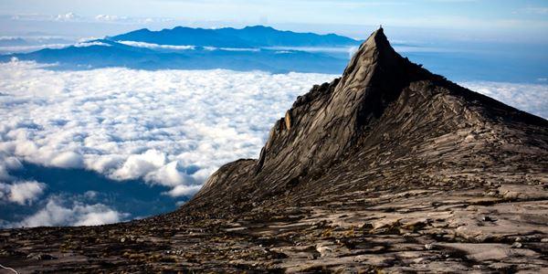 Menikmati Gunung Kinabalu, Gunung Tertinggi di Kalimantan