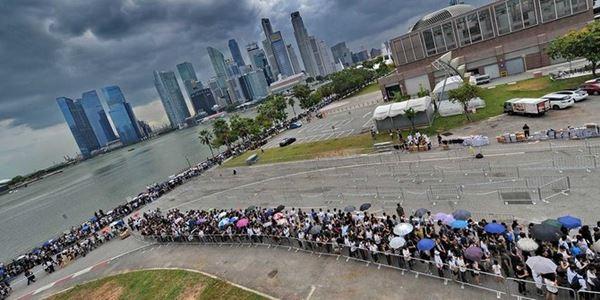 Rakyat Singaputa Antre 15 Kilometer untuk Melihat Pemakaman Lee Kuan Yew