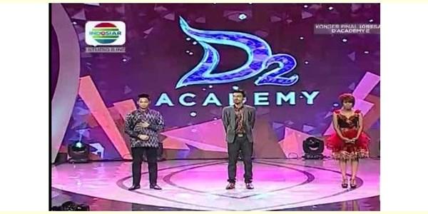 Konser 6 Besar D'Academy 2 Evi Masamba Tersenggol Tadi Malam