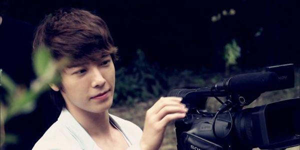 Meski Lulus Tes, Donghae Super Junior Masih Ragu Ikuti Wamil