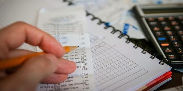 membuat daftar menu supaya pengeluaran sebulan tertata rapi