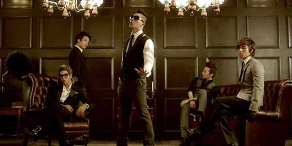 Big Bang Rilis Poster Baru untuk Dua Lagu Baru di Bulan Juli