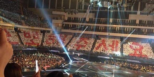 Selain Cium, Fans Minta Member EXO Pamerkan Perut di tengah Konser