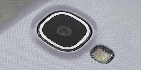 Cara Mudah untuk Menghilangkan Baret pada Kamera Smartphone
