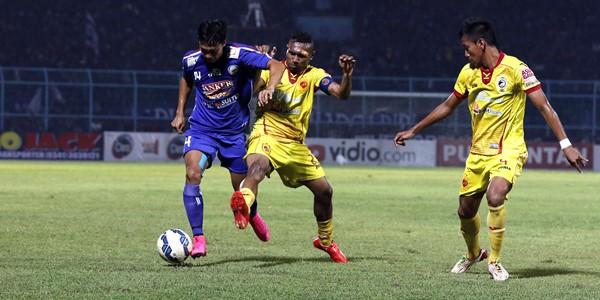Gol El Loco Gagal Bawa Arema Cronus Kalahkan Sriwijaya FC