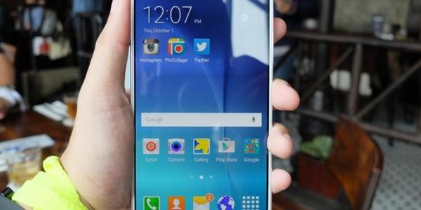 Ikuti Trend, Samsung Bakal Luncurkan Smartphone dengan Dual Kamera
