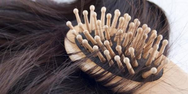 Tips Ampuh Atasi Rambut Rontok Secara Alami