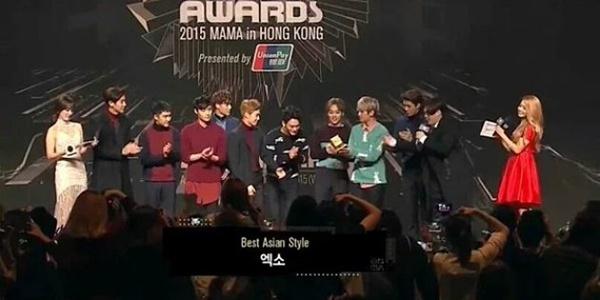 Tampil Mempesona di Red Carpet MAMA 2015, EXO Gondol Best Asian Style!