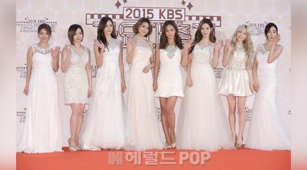 Usung Tema Putih, SNSD Tampil Seksi dan Anggun di KBS Gayo Daechukje 3