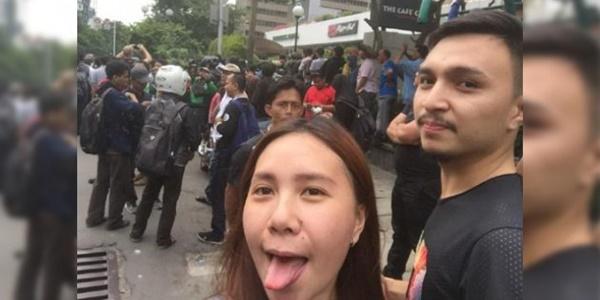 Selfie Julurkan Lidah di TKP Bom Sarinah, Wanita Ini Dibully Netizen