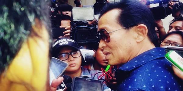 Edi Darmawan Salihin ayah Mirna datang ke kantor Polda terkait Kasus Jessica dan Mirna